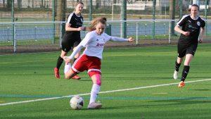 Testspiel: SC 13 bezwingt Rheinlandligisten Rengsdorf 3:0 – Comeback von Paula Gau