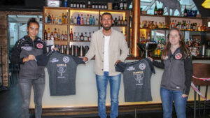 Pambula Restaurant und Bar sponsert Aufwärmshirts